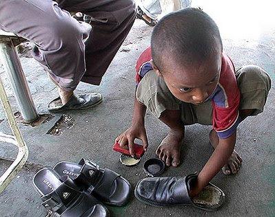 Kumpulan Foto  berbagai Ekspresi Wajah Anak  Anak  Miskin