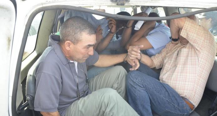 Provoca oleada de comentarios caso de oficiales acusados tráfico de armas