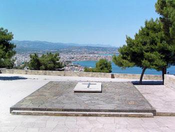 οι τάφοι των Βενιζέλων στο Ακρωτήρι στα Χανιά