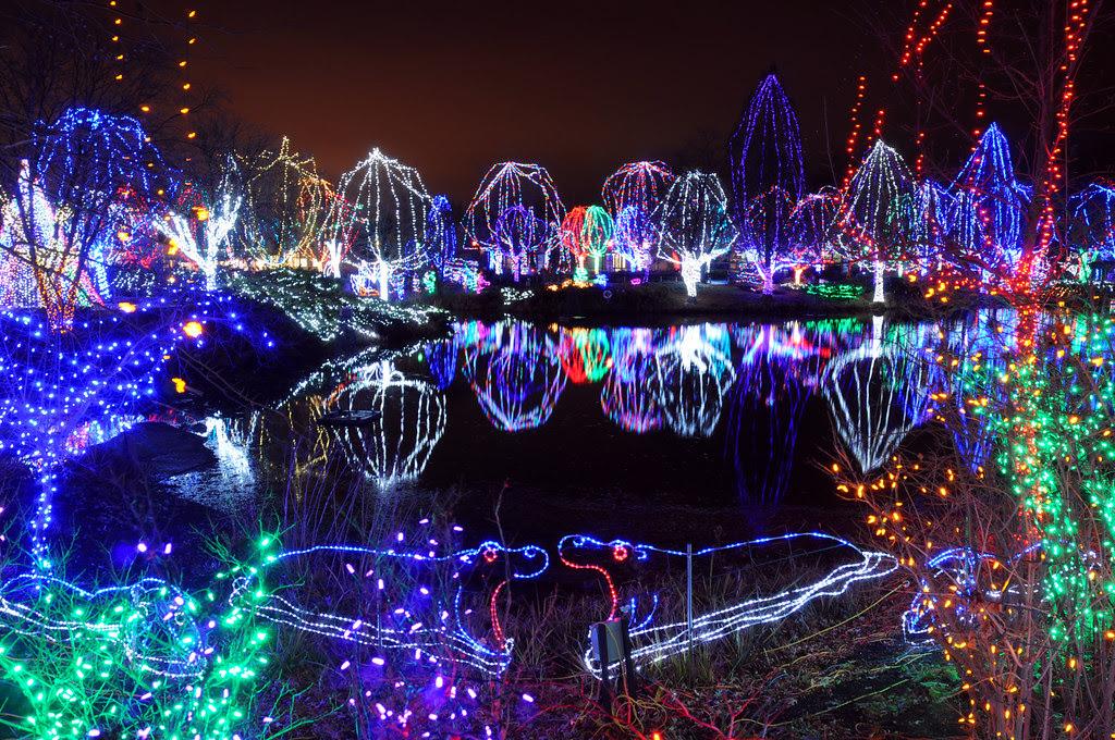 Best Outdoor Christmas Decorations - CBS News