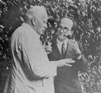 Famosa imagen de Eliade con C.G. Jung, ambos pipa en mano