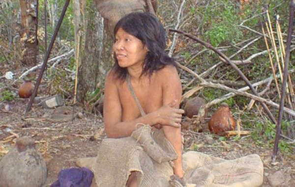 Guiejna, uma mulher Ayoreo, no dia quando ela foi contatada em 2004. Agora ela sofre de tuberculose.