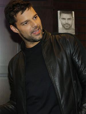O cantor Ricky Martin.