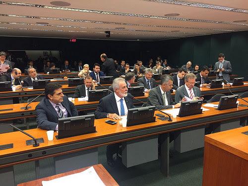 Comissão de Agricultura aprovou parecer de Melles que restringe importação de café
