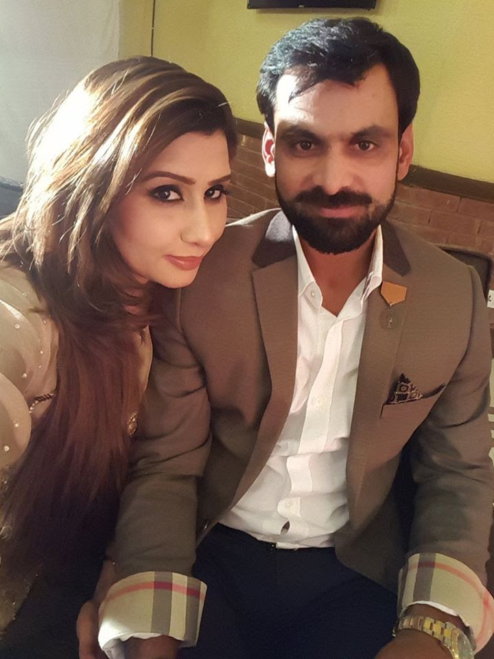 Image result for मोहम्मद हाफिज wife pic