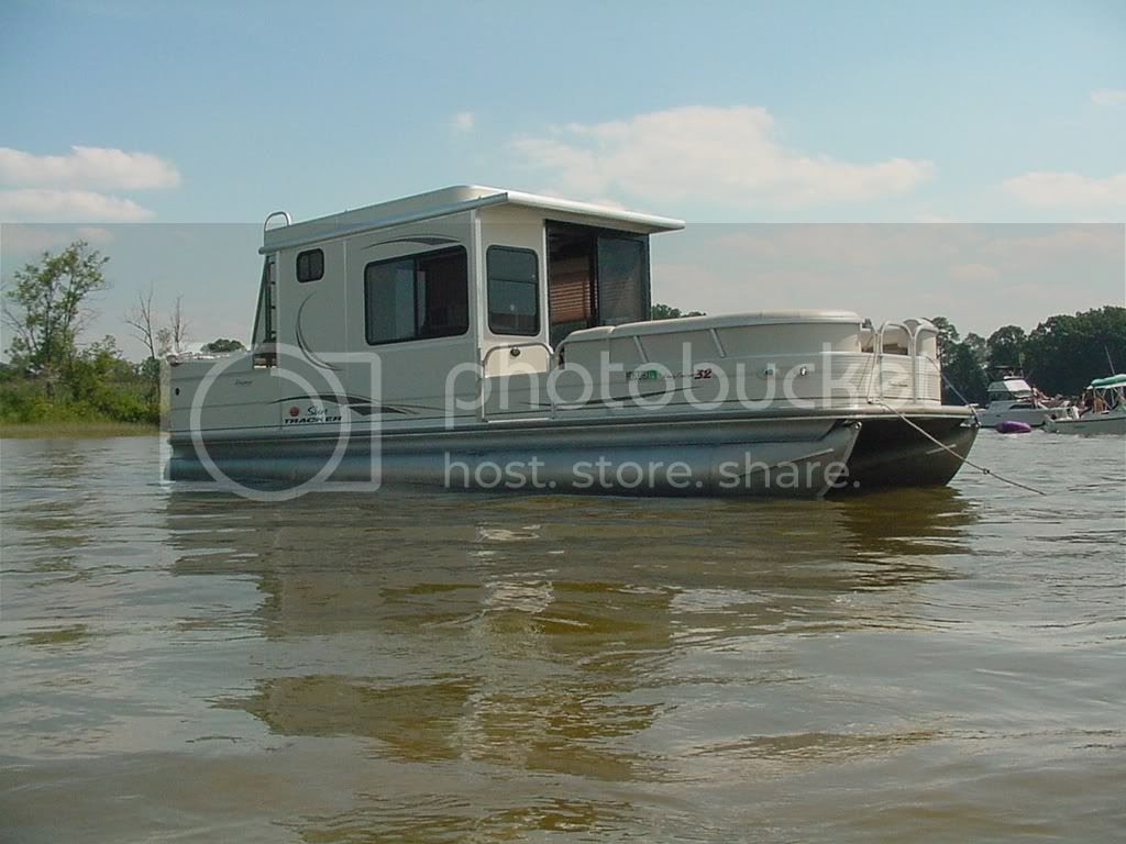 Pontoon Boat & Deck Boat Forum • View topic - Front enclosure