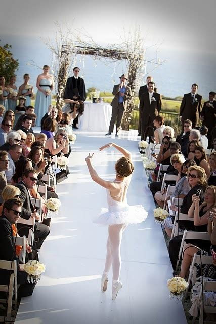 17 Best images about Wedding Aisle on Pinterest   Church