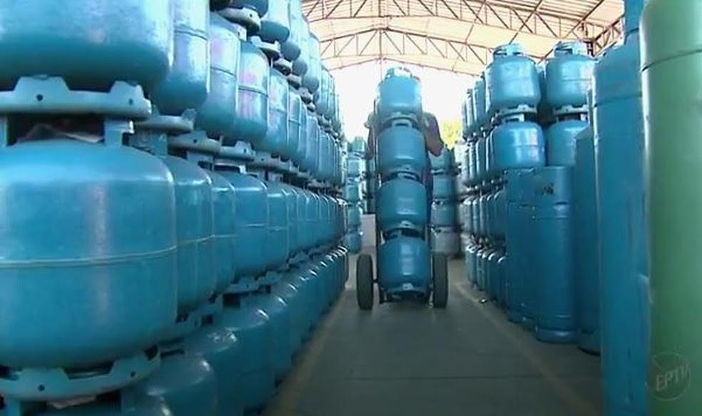 Gás de uso doméstico terá nova política de preços  (Foto: Reprodução/EPTV)