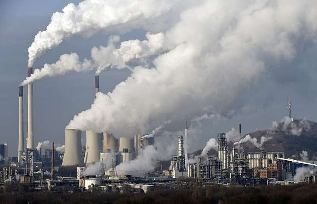 Greenhouse gases rise from a coal-burning plant in Gelsenkirchen, Germany, contributing to warming. Photo: Martin Meissner, Associated Press