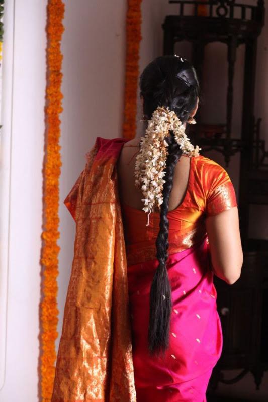 anushka hot photos in siva thandavam 08 Anushka Hot Photos in Siva Thandavam