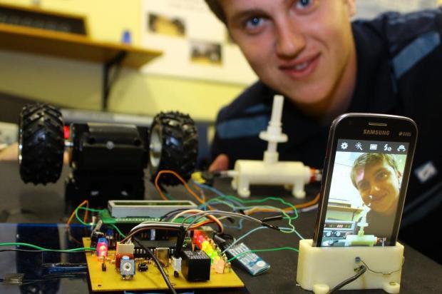 Estudantes criam bafômetro para carro que impede motorista de dirigir bêbado Marcel Ávila/Especial
