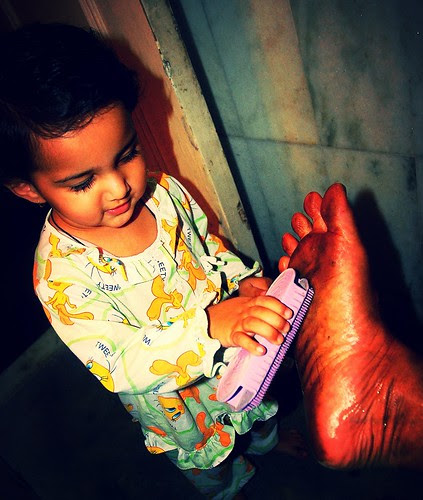 The Barefeet Blogger Gets A Scrub From Marziya Shakir by firoze shakir photographerno1