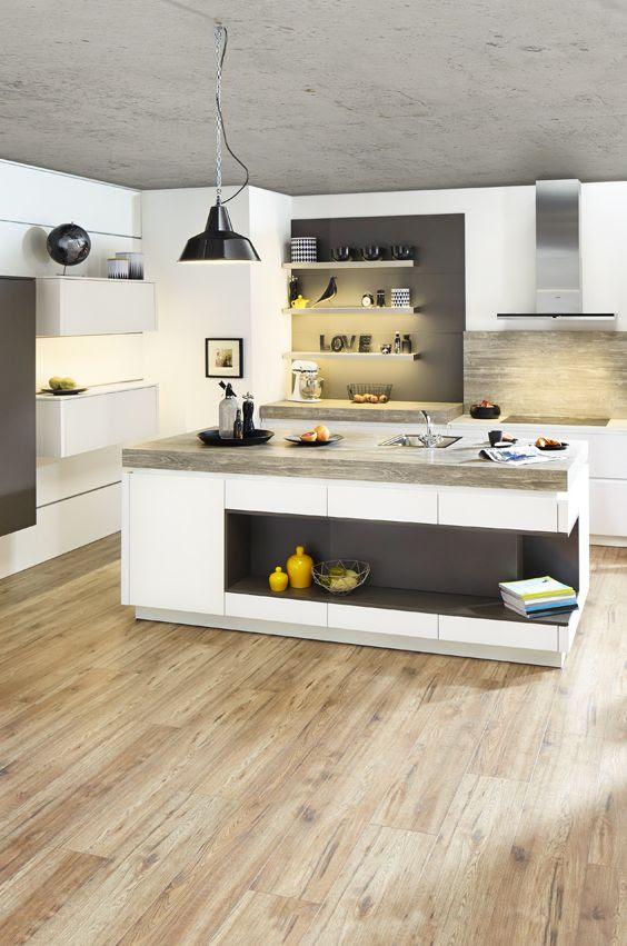 küche holzarbeitsplatte  kücheninsel im industrial style