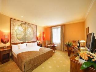 Lindner Hotel Prague Castle Reviews