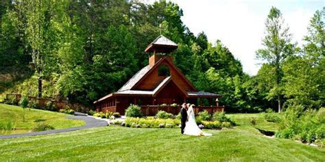 Little Log Wedding Chapel Weddings   Get Prices for