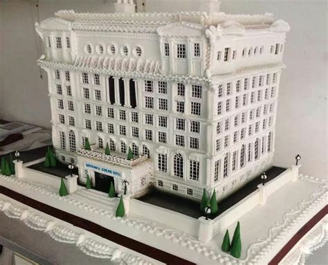 Awesome building cake!   Decorated Cakes and Cookies