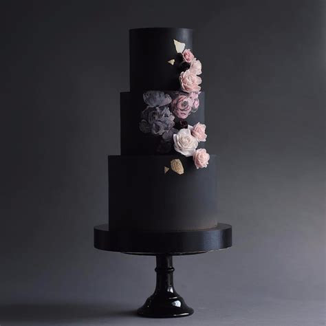 12 Black Wedding Cakes You Need to See Right Now