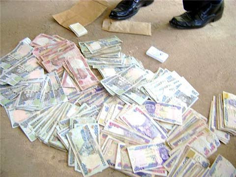 Serious Drama as Alleged 'Money Doubler' is Nabbed In Lagos