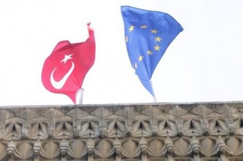 η-νεκρή-κυπριακή-δημοκρατία-οι-μούφτηδες-και-τα-ελληνικά-χωρικά-ύδατα