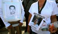 Familiares de las  víctimas caídas por el crimen organizado en la Caravana del Sur. Foto:  Germán Canseco