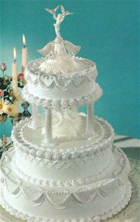 157 best ideas about CAKES: Tiered Traditional/Fountain