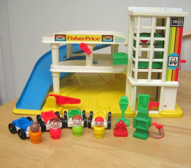 locations de vehicule voitures garage fisher price vintage. Black Bedroom Furniture Sets. Home Design Ideas