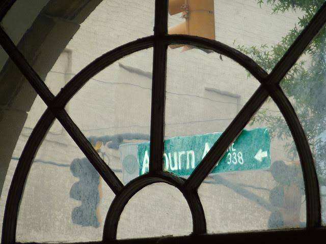 P1120003-2012-09-16-O4W-Tour-of-Homes-3-Prince-Hall-Masons-Lodge-Auburn-Avenue-sign