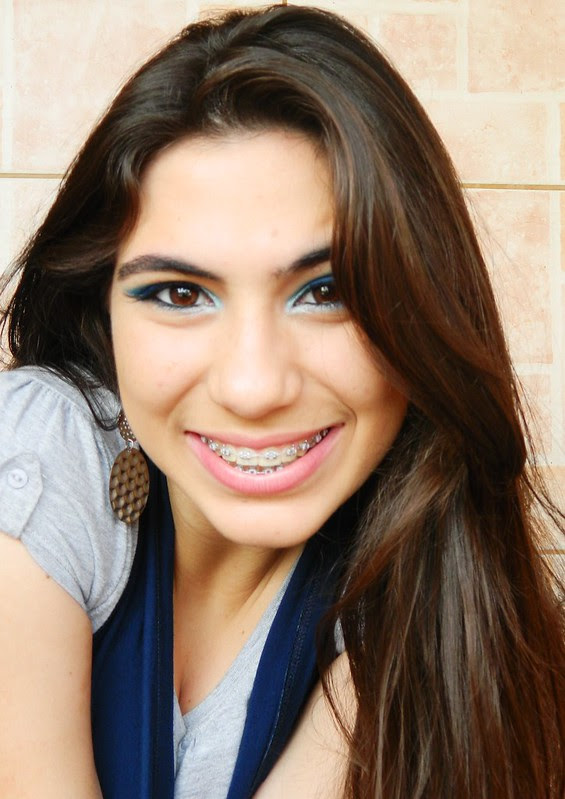 juliana leite make up facebook azul com delineado duplo 058