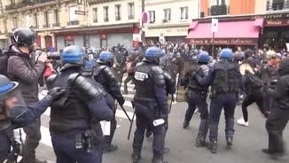 La manifestació de París ha acabat amb enfrontaments amb la policia
