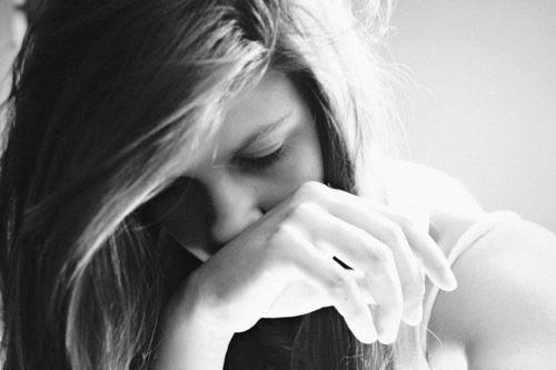 Amei demais, valorizei demais, me iludi demais, me decepcionei demais. Exagerei em tudo.