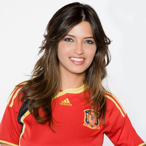 Sara Carbonero apoyando a 'La Roja'