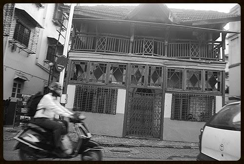 Rail View House Mahim by firoze shakir photographerno1