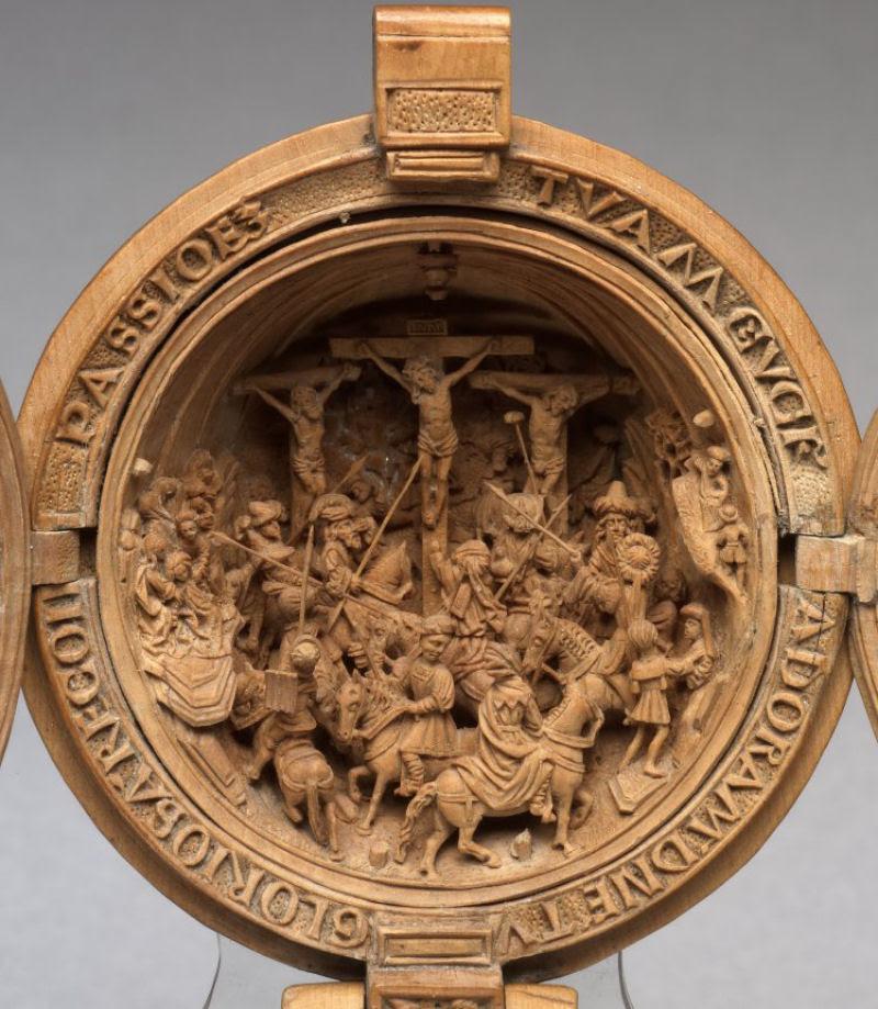 Castanhas de Oração do Século 16 primorosamente esculpidas 09