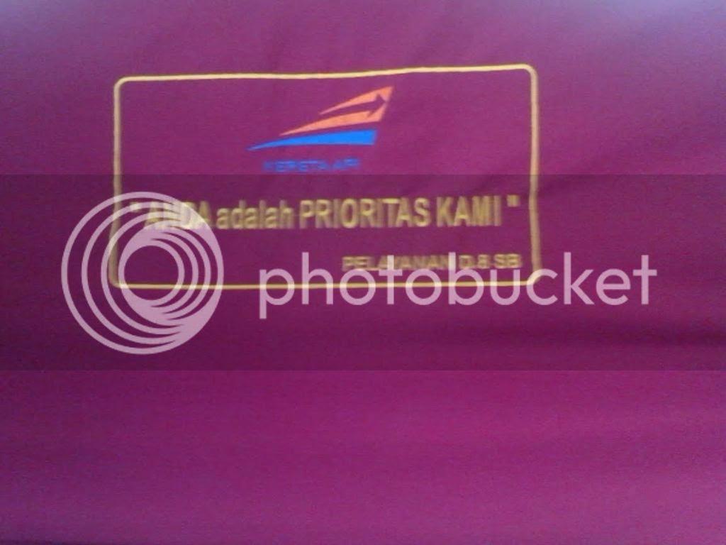 photo slogan di kursi kereta_zpsrqj2atll.jpg