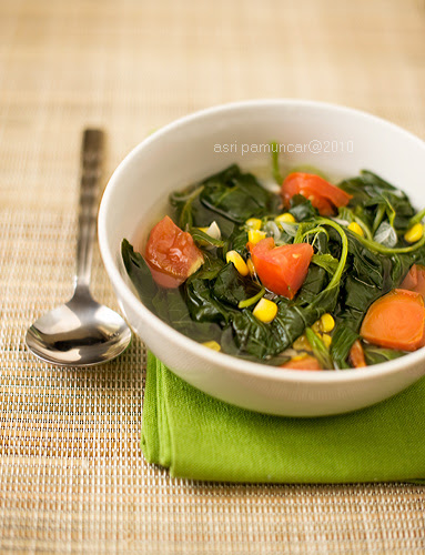spinach n corn clear soup
