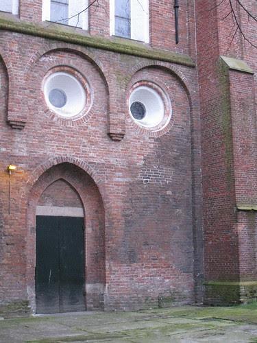 A face..