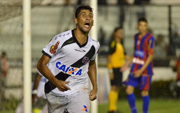 Marlon gol Vasco x Bonsucesso (Foto: Marcello Dias / Futura Press)