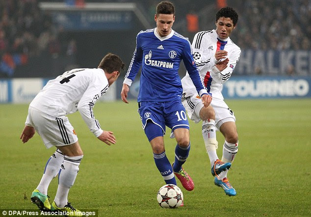 Bayern buy? Munich have reportedly lined up Schalke's Julian Draxler (centre) to replace Kroos