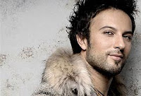 Tarkan showing off his fur in Come Closer