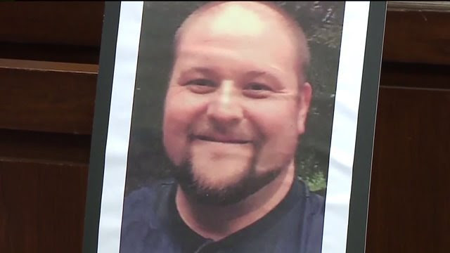 Former bouncer was killed outside his home 'for doing his job,' police say https://t.co/Haed0XorgF