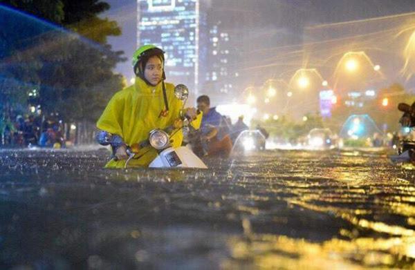 ngập lụt, lô cốt, giao thông, sân bay ngập