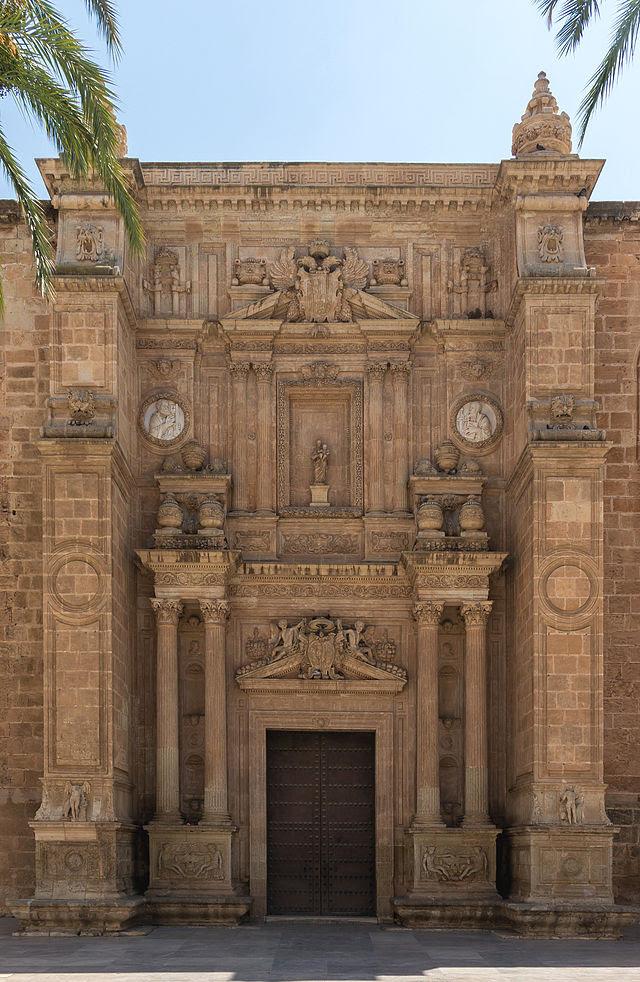 Entrée de la Cathédrale, Almeria, Espagne.jpg