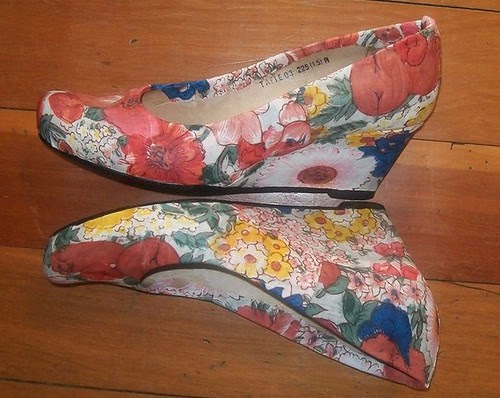 Floral wedges side view