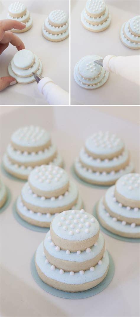 27 Spectacular Stacked Wedding Cake Cookies   Sweet