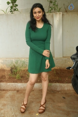Sakshi Kakkar New Photos - 12 of 26