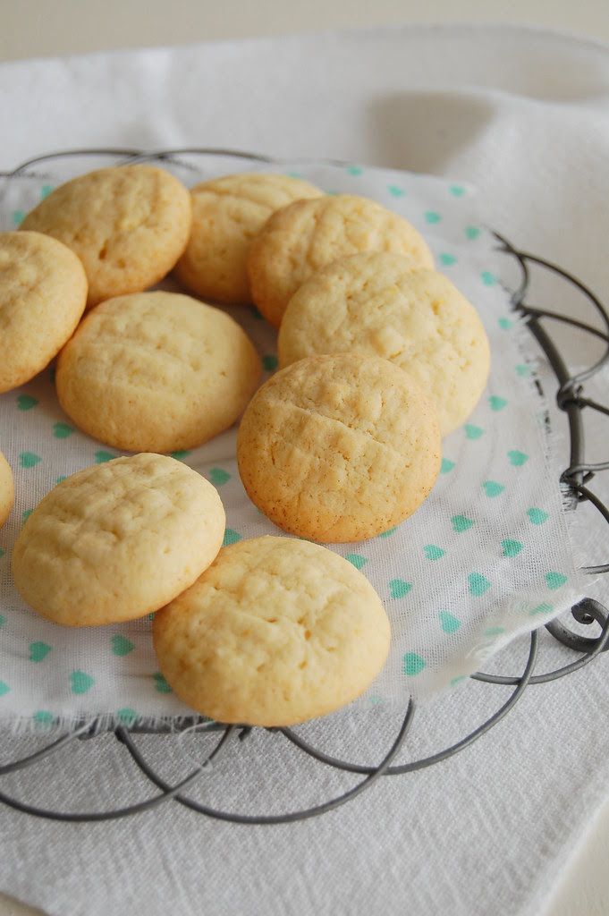 Lemon cloud tea cookies / Nuvenzinhas de limão siciliano