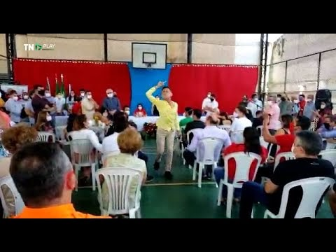 Com presença de governadora do RN, educador faz protesto durante comemoração ao Dia do Professor; vídeo
