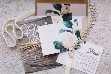 Real Wedding: Ariel   Sam :: Intimate Minnesota Wedding in