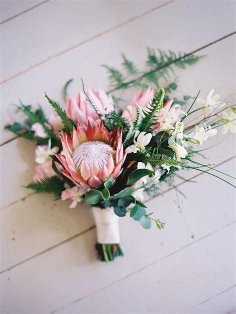 Flower Arrangements for a Perfect Beach Wedding