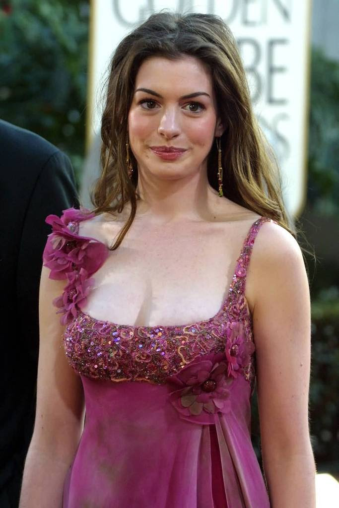 Kelly Brook - New Look Photoshoot - Sexy Actress Pictures | Hot Actress Pictures
